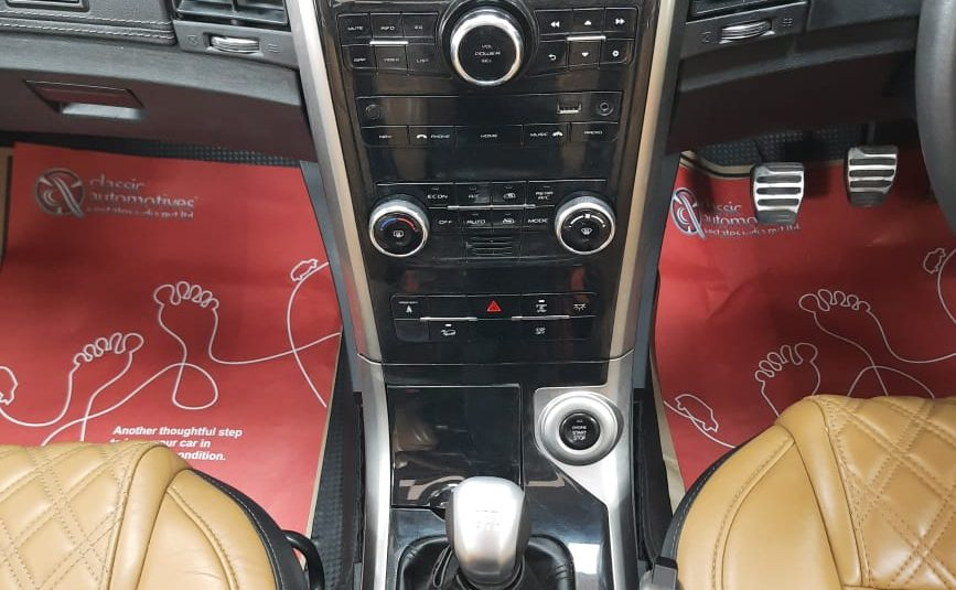 Mahindra XUV500 W11 (O) FWD BRAND NEW USED CARS