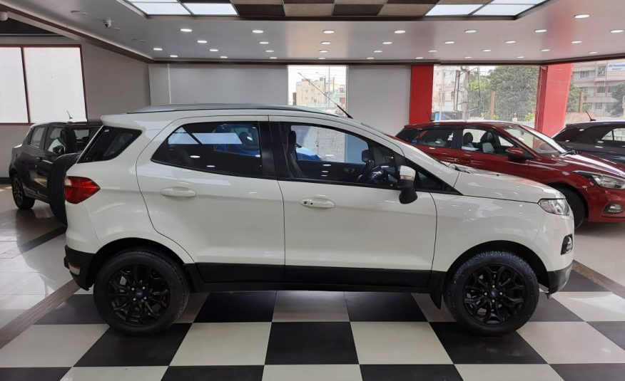 Ford EcoSport 1.5 TDCi Titanium (MT) Diesel BRAND NEW USED CARS